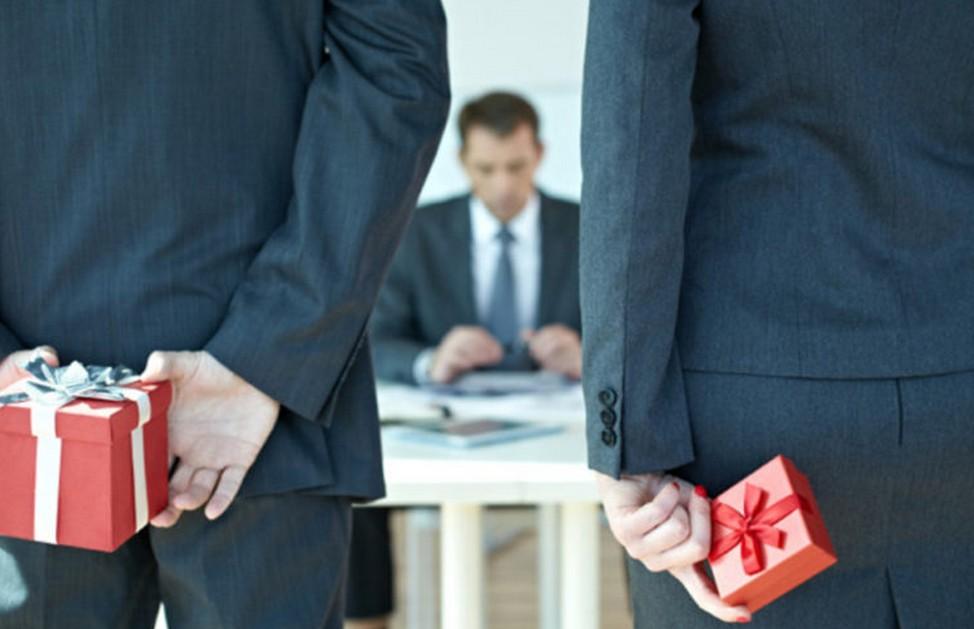 Comment choisir un bon cadeau pour son patron ?